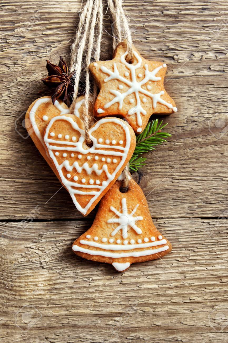 Lebkuchen Weihnachtsplatzchen Die Uber Holzernem Hintergrund Mit