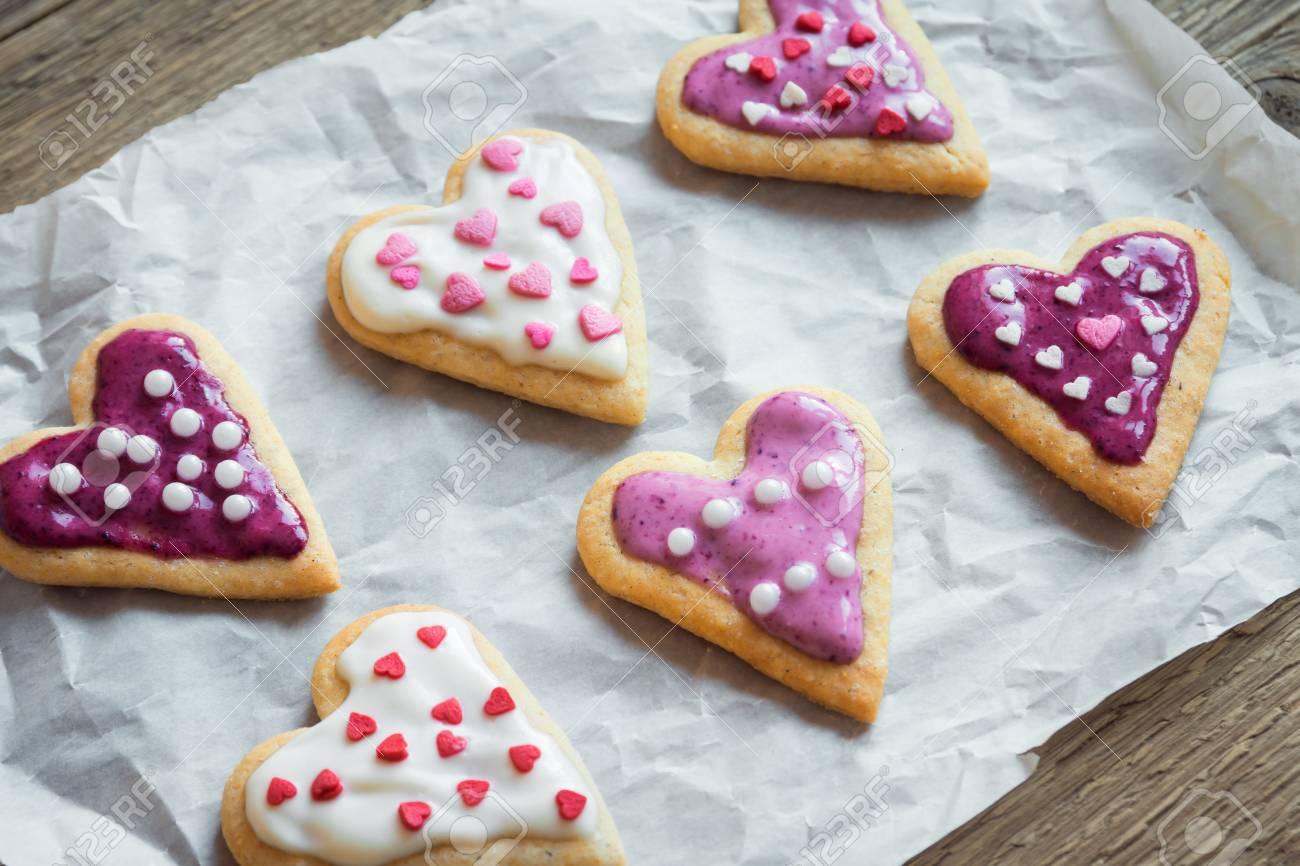 Las Galletas En Forma De Corazón Se Cierran Para Arriba Para El Día De San Valentín Pastelería Buiscuits Galletas Decoradas Festivas Hechas En Casa
