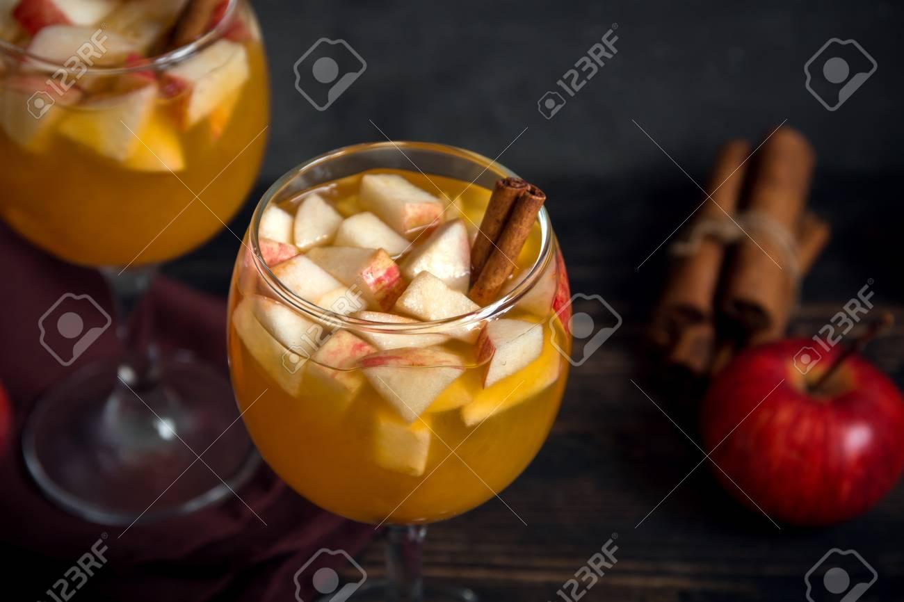 Hausgemachter Sangria (Apfelwein, Punsch, Obstwein) Für Herbst- Und ...