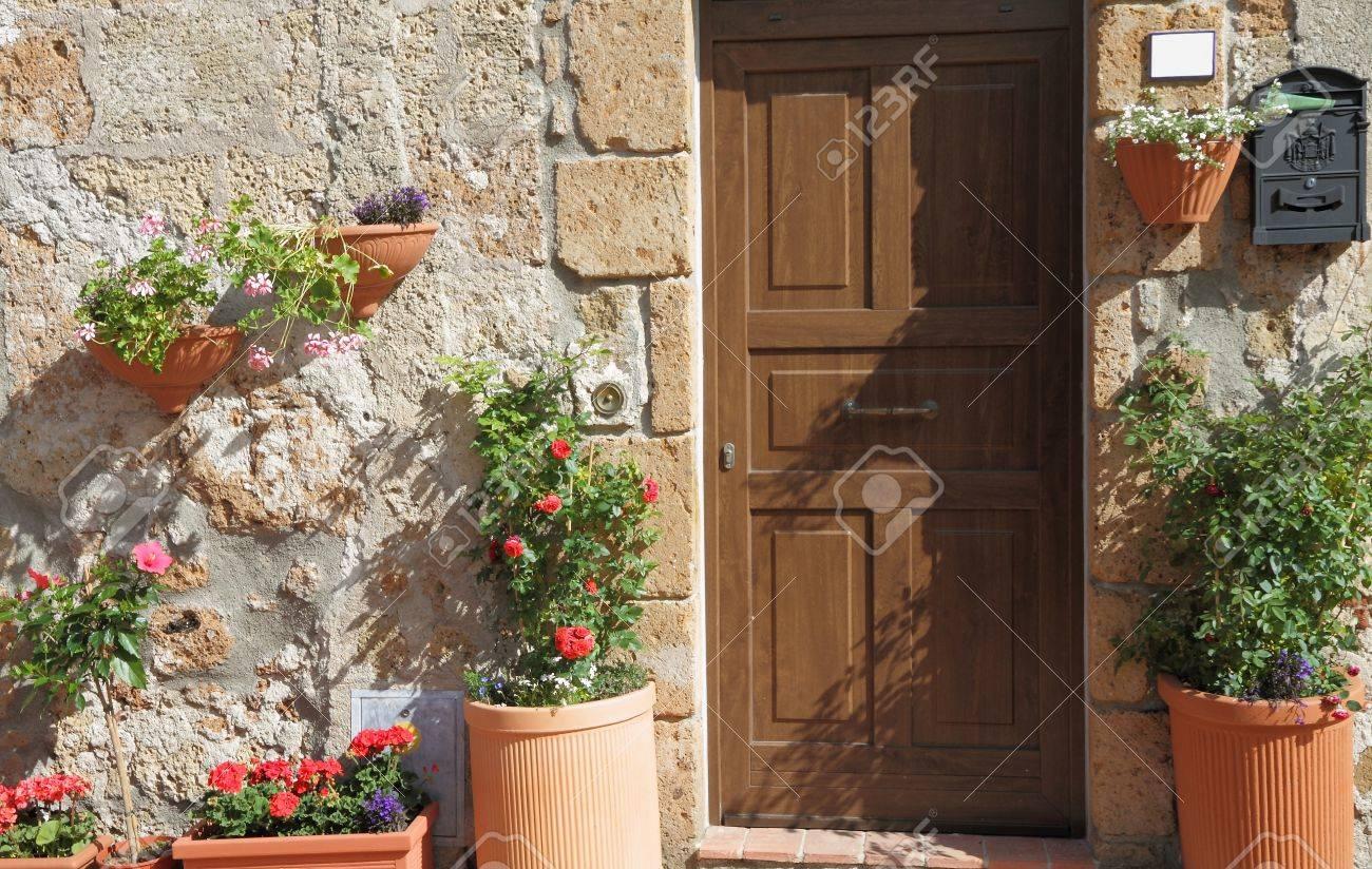 sunny flowery entrance in Italy Stock Photo - 9285959