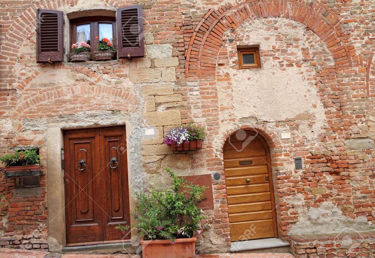 picturesque doorways to the tuscan homes in Certaldo home of the family of Giovanni Boccaccio & Picturesque Doorways To The Tuscan Homes In Certaldo Home Of ...