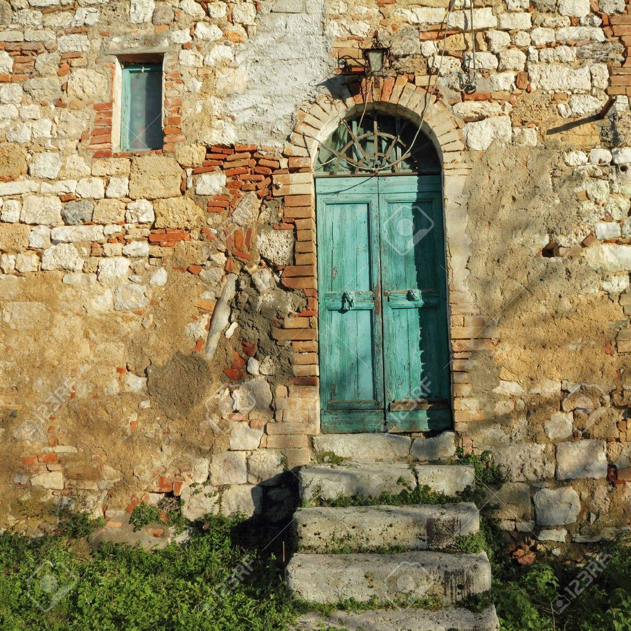doorway to the tuscan farmhouse Italy Stock Photo - 18092243 & Doorway To The Tuscan Farmhouse Italy Stock Photo Picture And ...