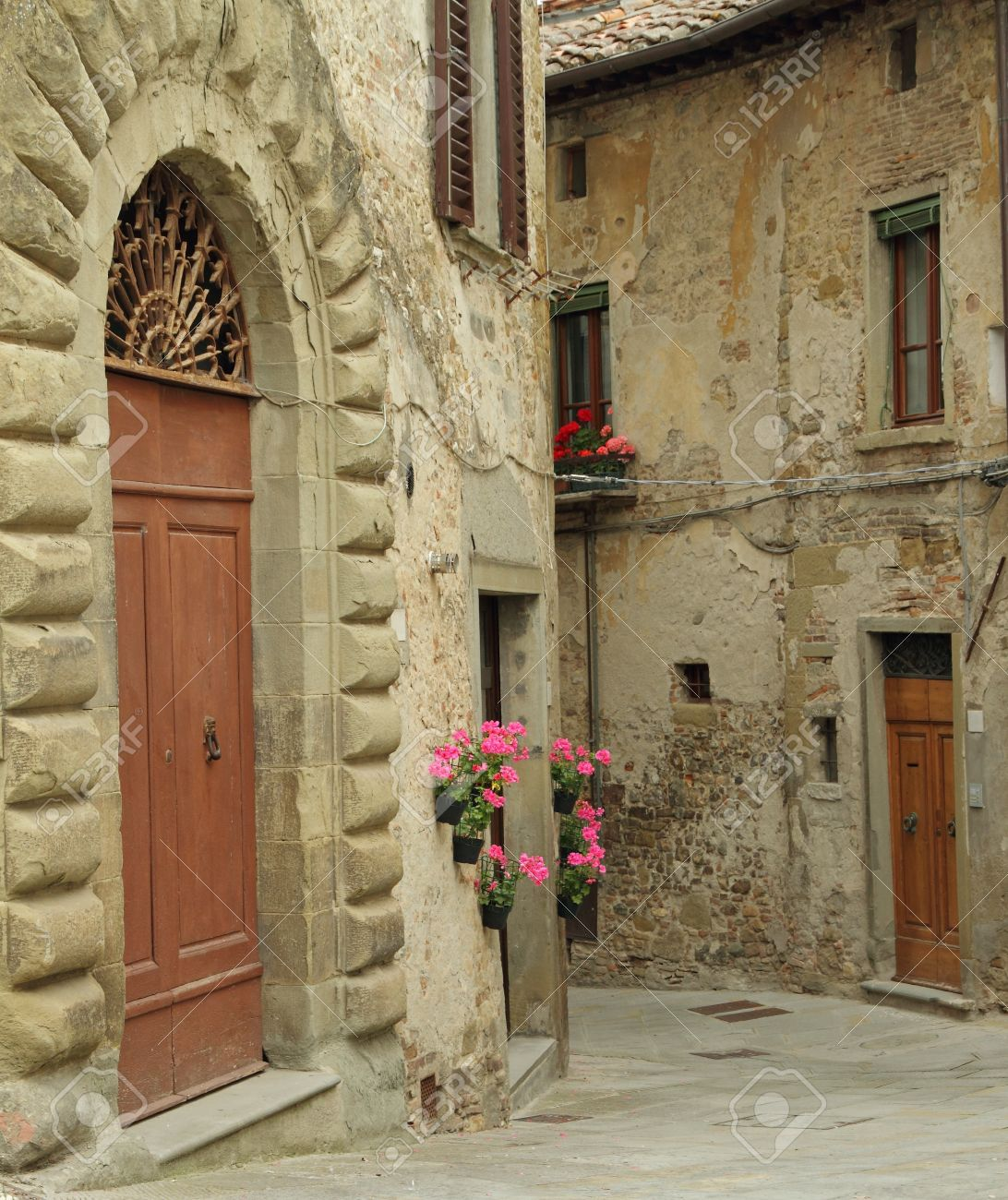 Beautiful old arch doorway on tuscan narrow street in small town Anghiari Italy Europe & Beautiful Old Arch Doorway On Tuscan Narrow Street In Small Town ...