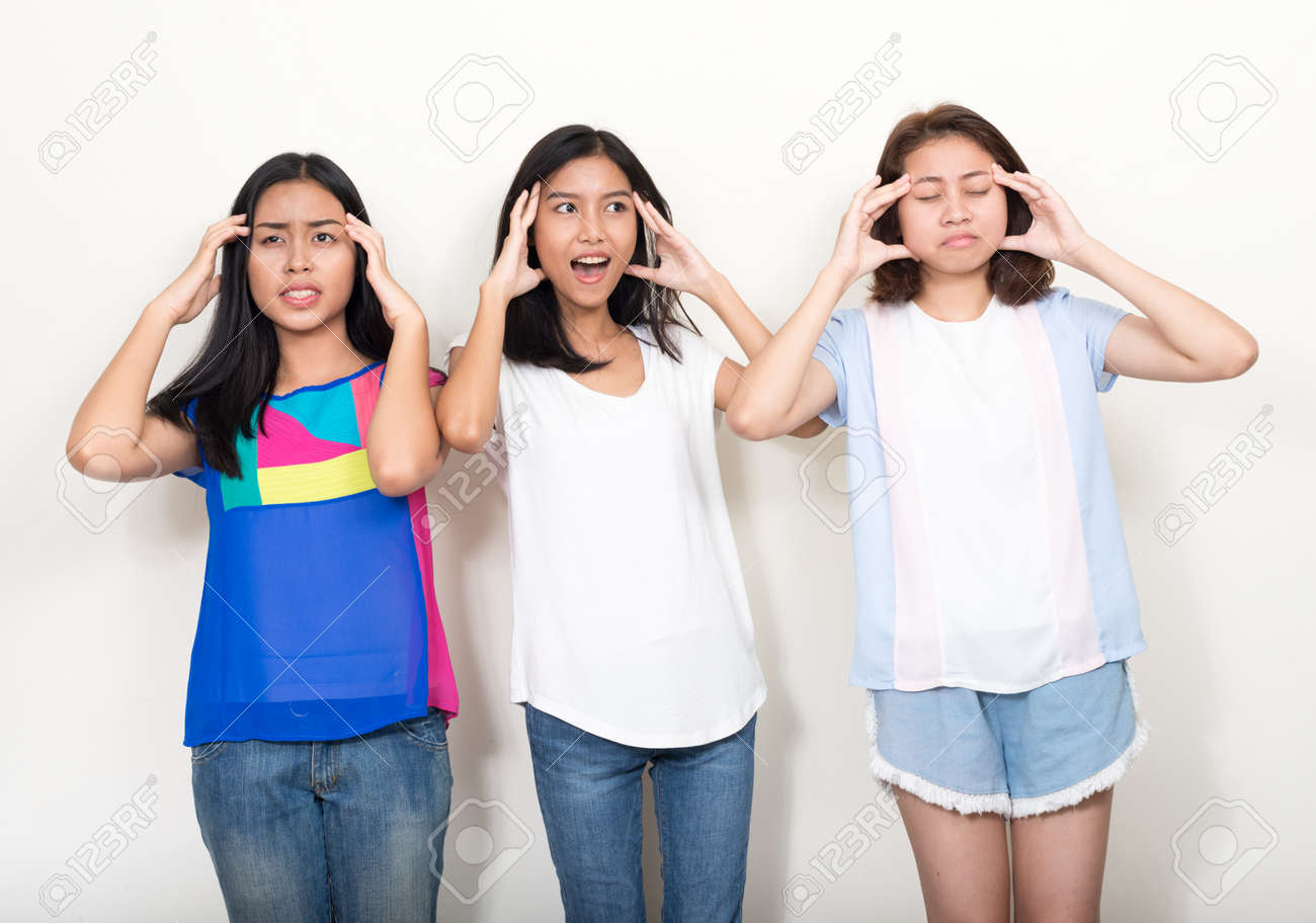 Portrait of three young beautiful Asian teenage girls as friends together - 151565974