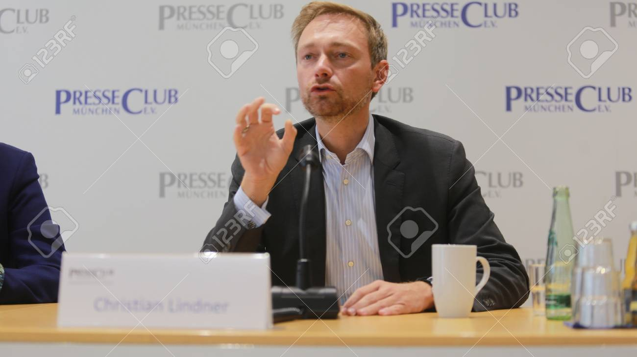 September 19, 2017 - Munich, Germany - Christian Lindner, top candidate FDP party to the 2017 Bundestag elections visiting International PressClub Munich Standard-Bild - 86344118