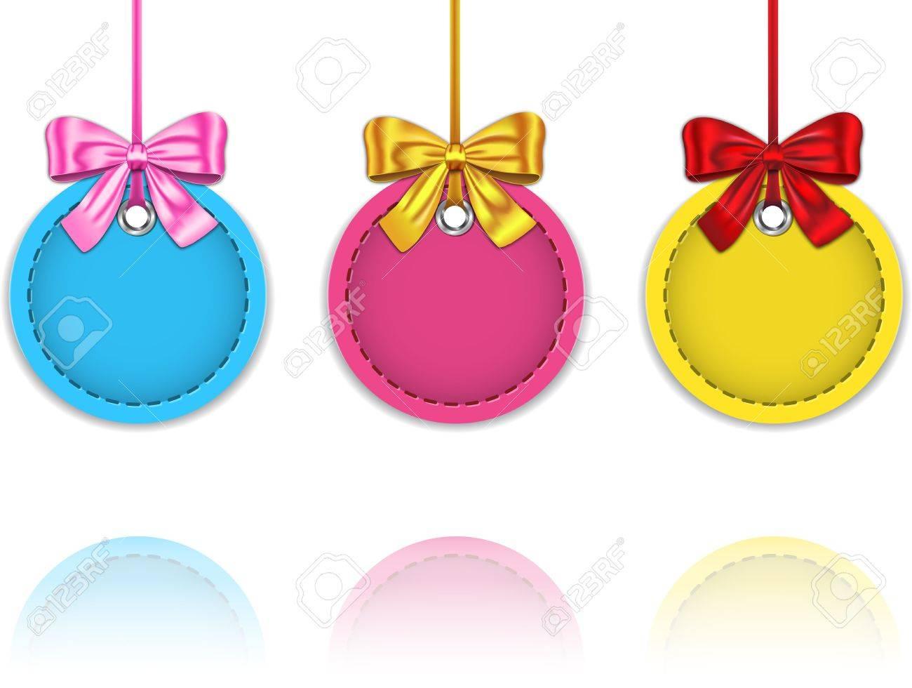 Imagenes Lazos De Navidad.Coloridos Adornos Navidenos Hechos De Cuero Atadas Con Lazos Etiquetas En Blanco De Navidad Con Reflexiones Ilustracion Vectorial