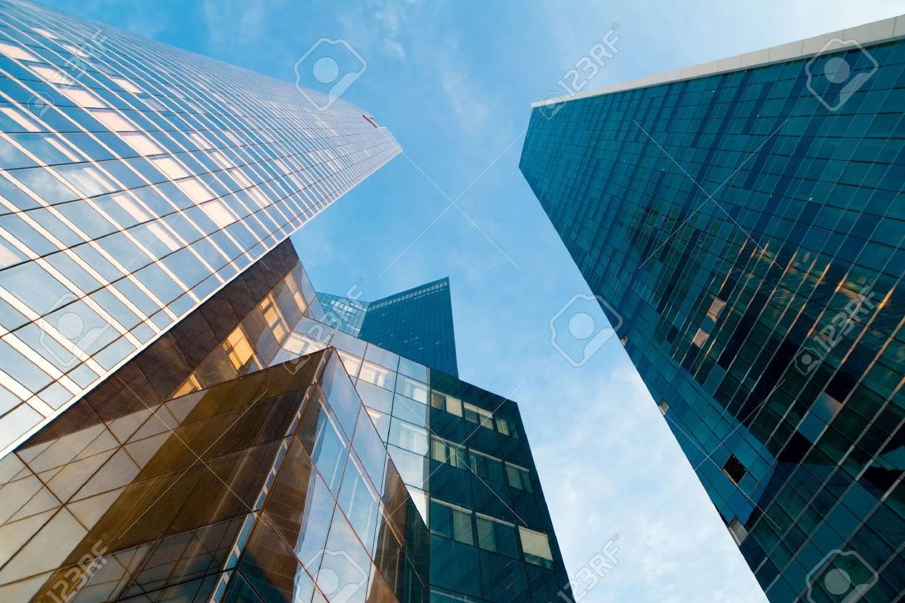 high-rise modern building Paris Defense - 23371495