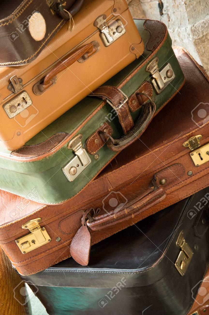 Vintage travel bags Stock Photo - 41058196