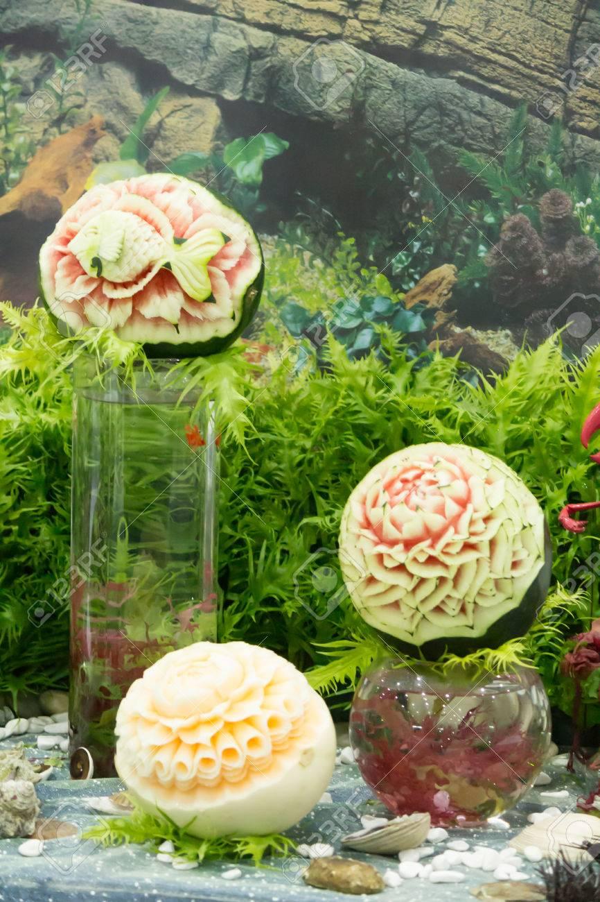Sandia Y Melon Fruta Tallado En Juegos De Mesa Fotos Retratos
