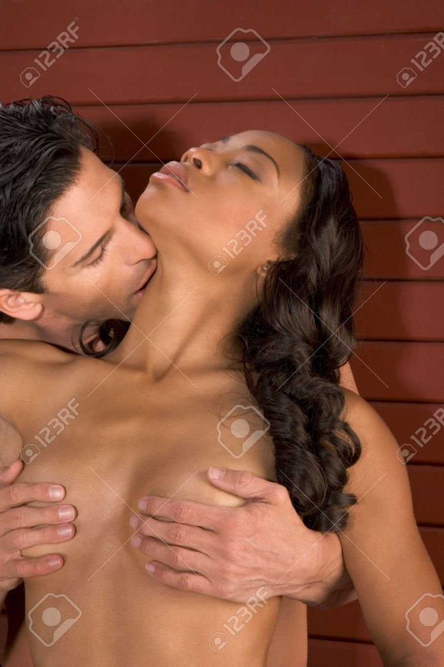 naked-man-kissing-to-vagina-girl-naked