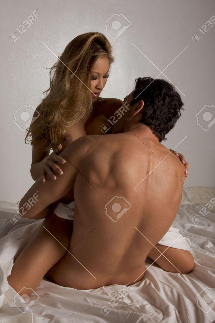 femmes asiatiques ayant des relations sexuelles avec des hommes blancs photos blowjpb