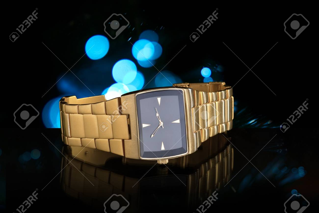 Luxury Gold Wristwatch Stock Photo - 12917967