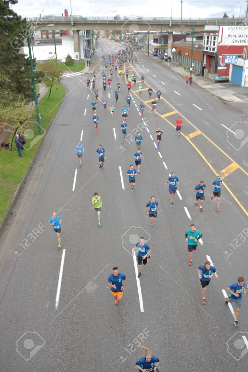 High angle view of runners competing in the 2017 Sun Run competition