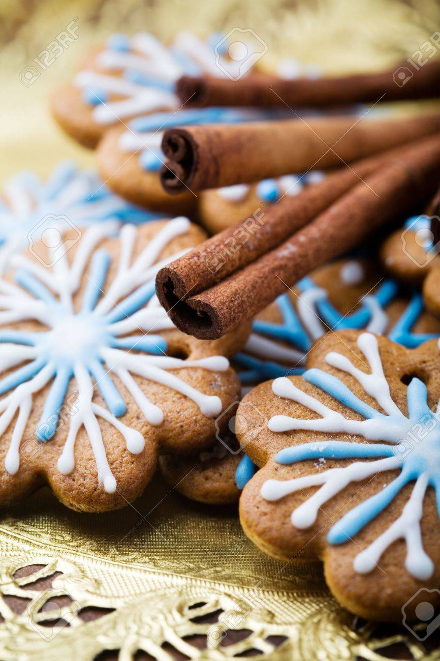 Gingerbread cookies decorated with blue and white Stock Photo - 6120260