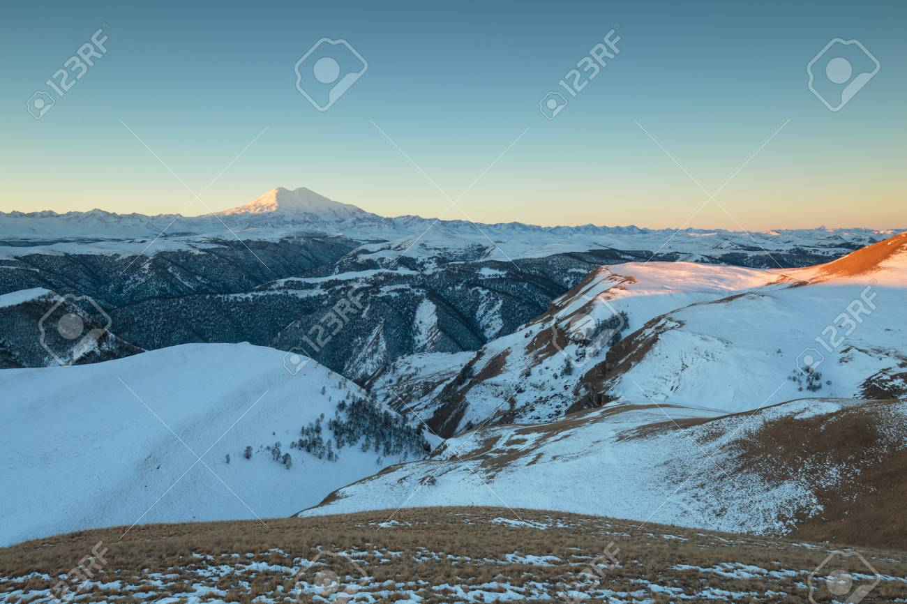 Where is the volcano Elbrus 24