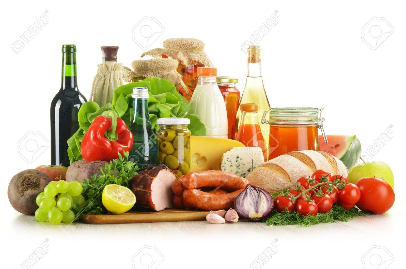 composicin con variedad de productos comestibles como verduras frutas carne productos lcteos y