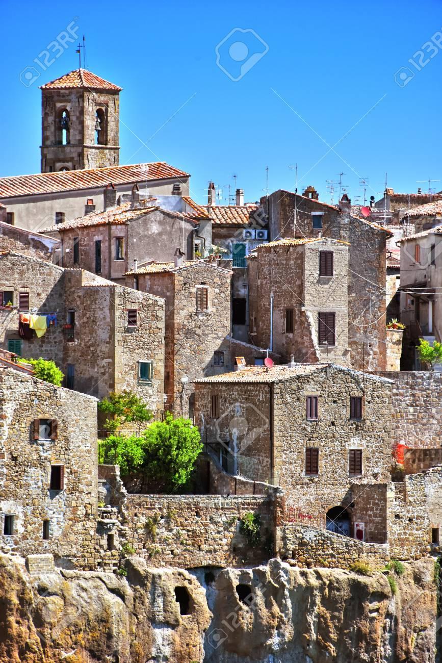 イタリア トスカーナのグロッセート県のピティリアーノの市 の写真素材 ...