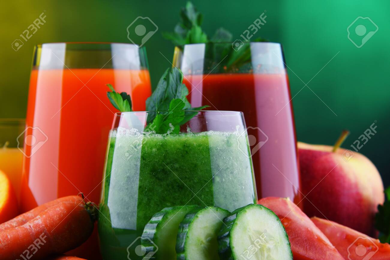 Glasses with fresh organic vegetable and fruit juices. Detox diet - 139057722