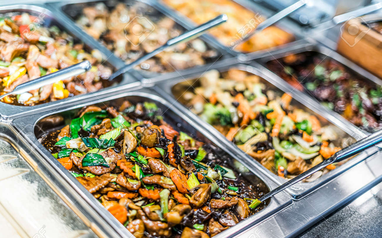 Traditional Asian food sold in an European shopping mall food court - 168771557