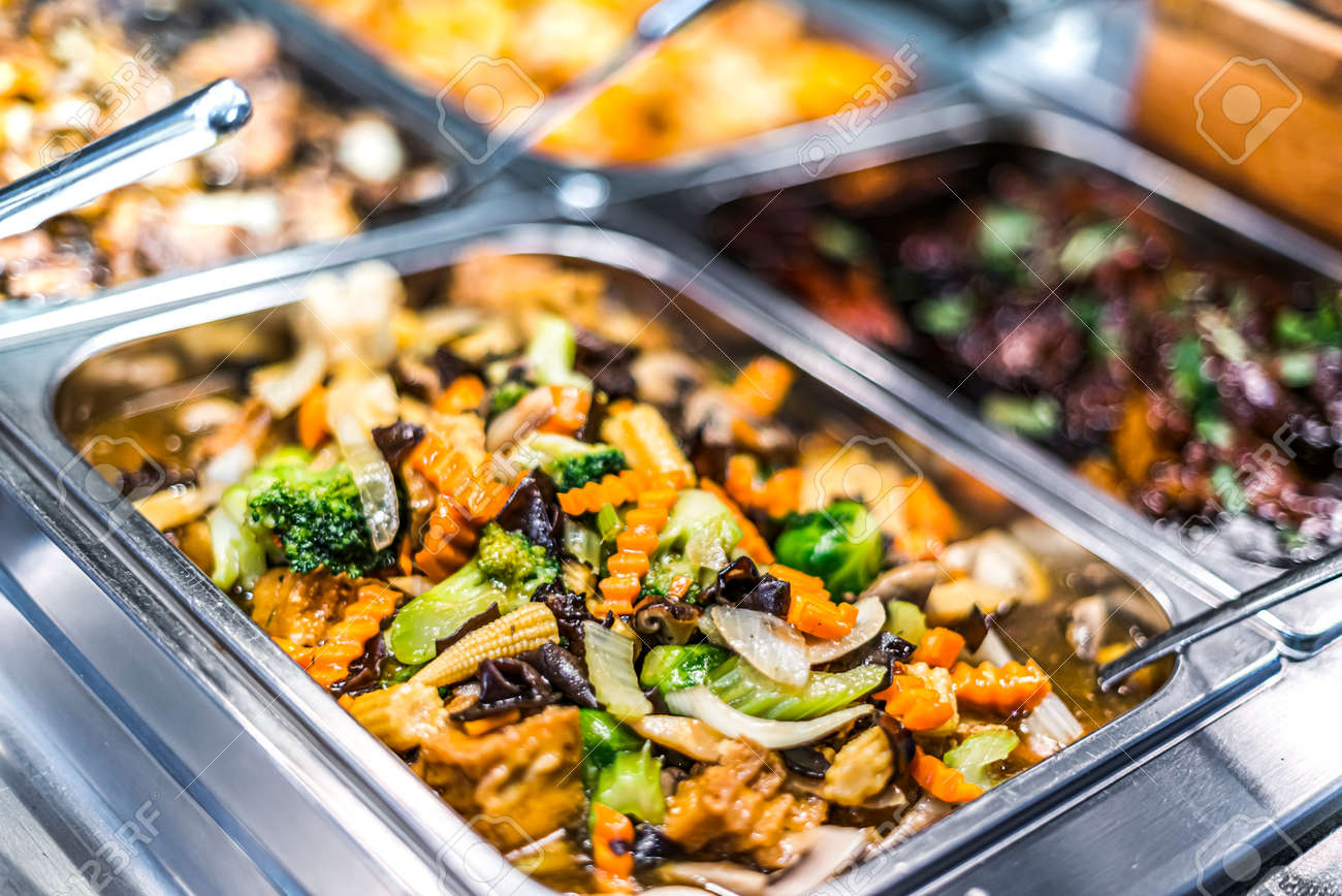 Traditional Asian food sold in an European shopping mall food court - 168771561