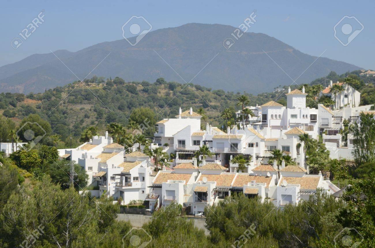 Mediterrane Hauser In Er Berge Marbella Andalusien Spanien