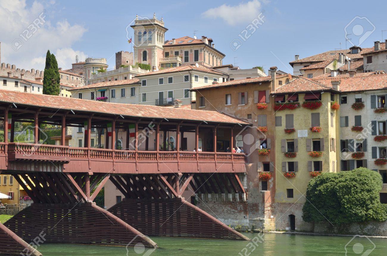アルピーニ橋は 1569 年に Andre...