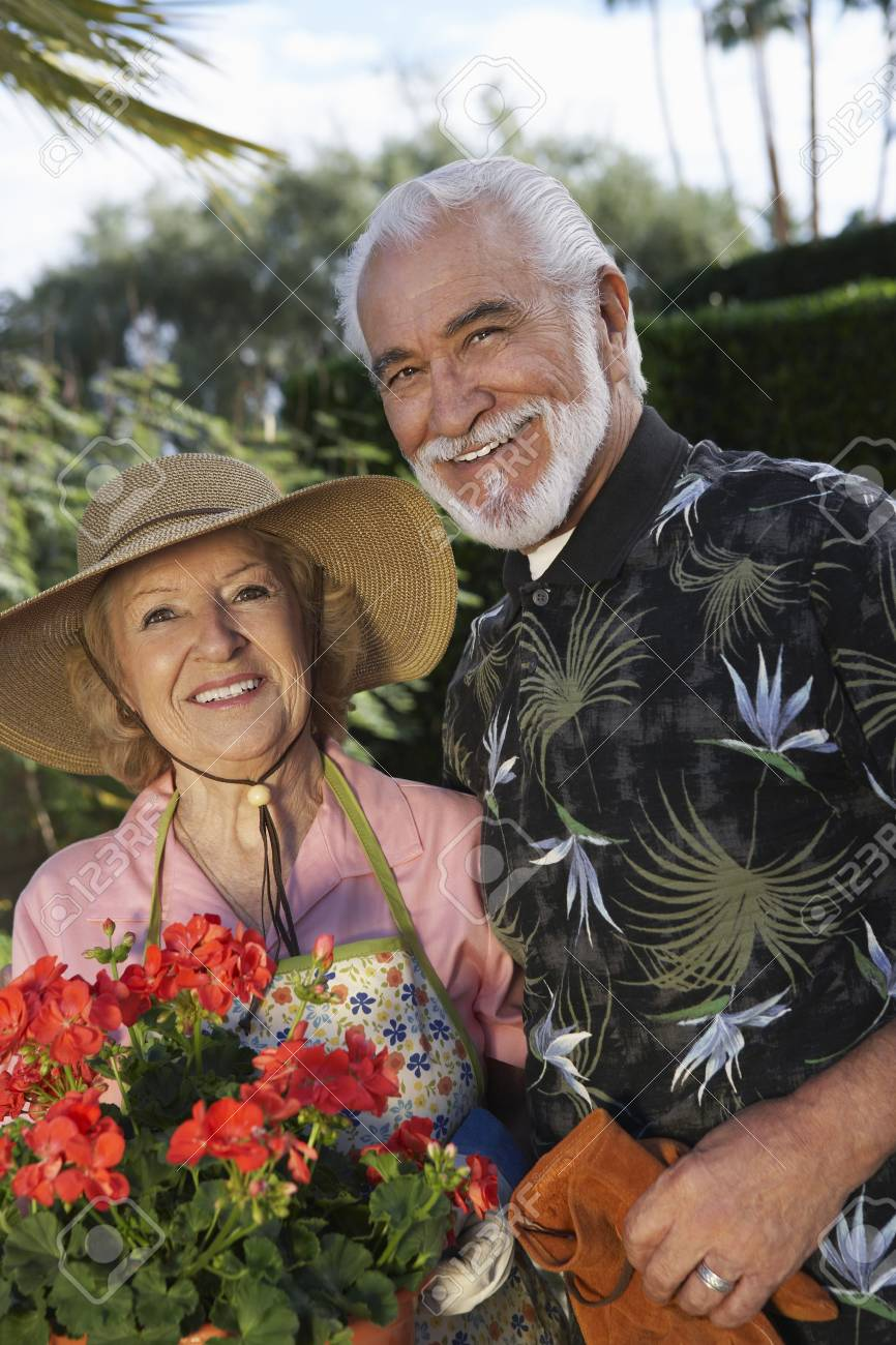 Portrait of senior couple in garden Stock Photo - 3812536
