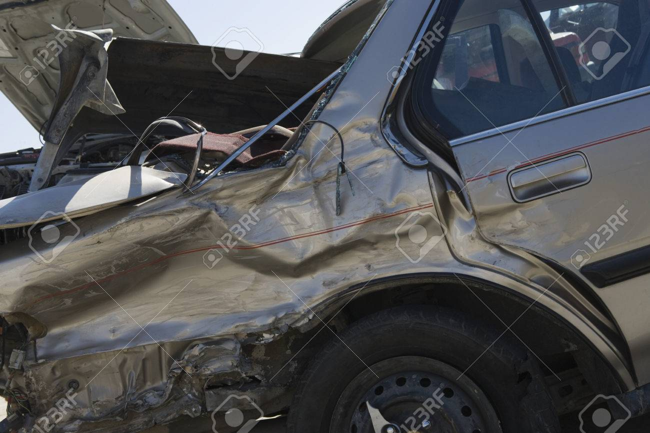 Damaged car Stock Photo - 3811670