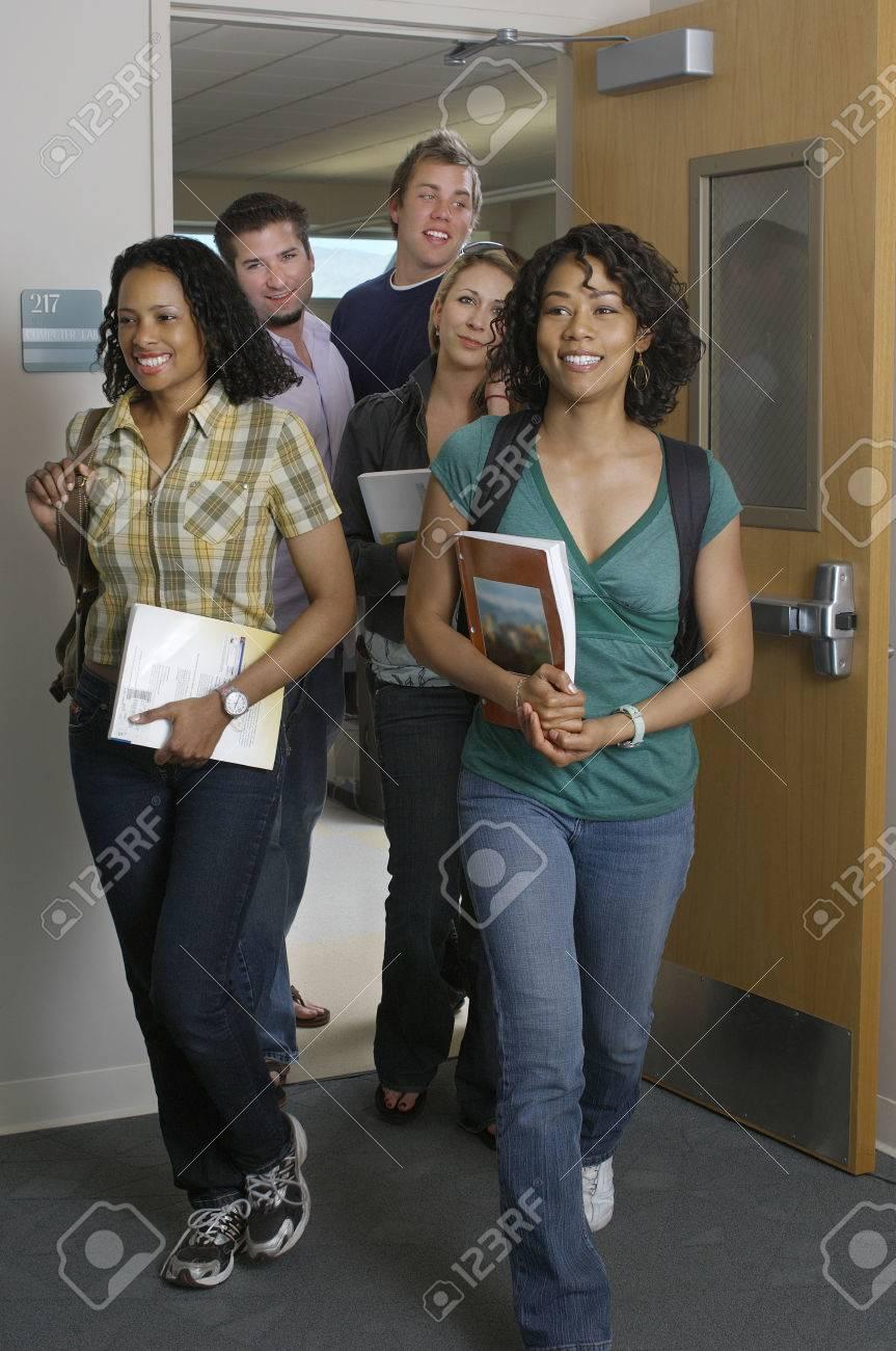 Students entering classroom Standard-Bild - 3812142