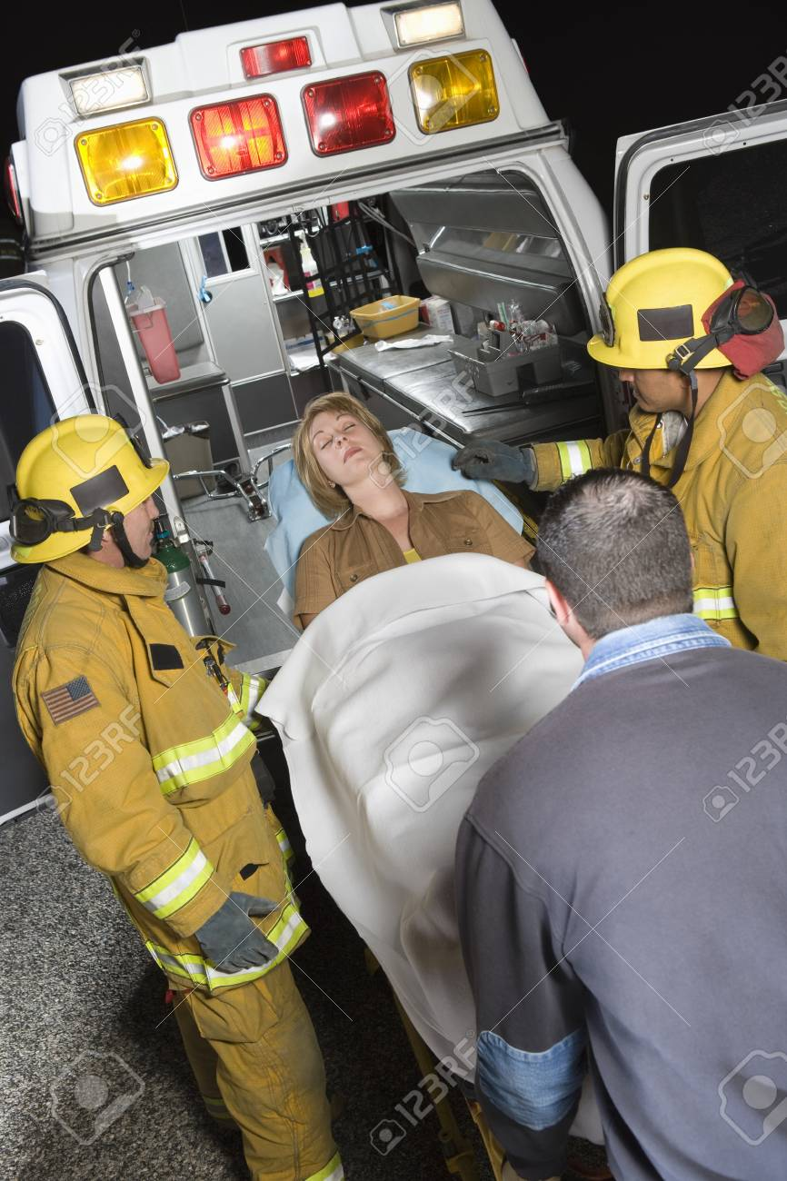 救急 救命 士 士 消防