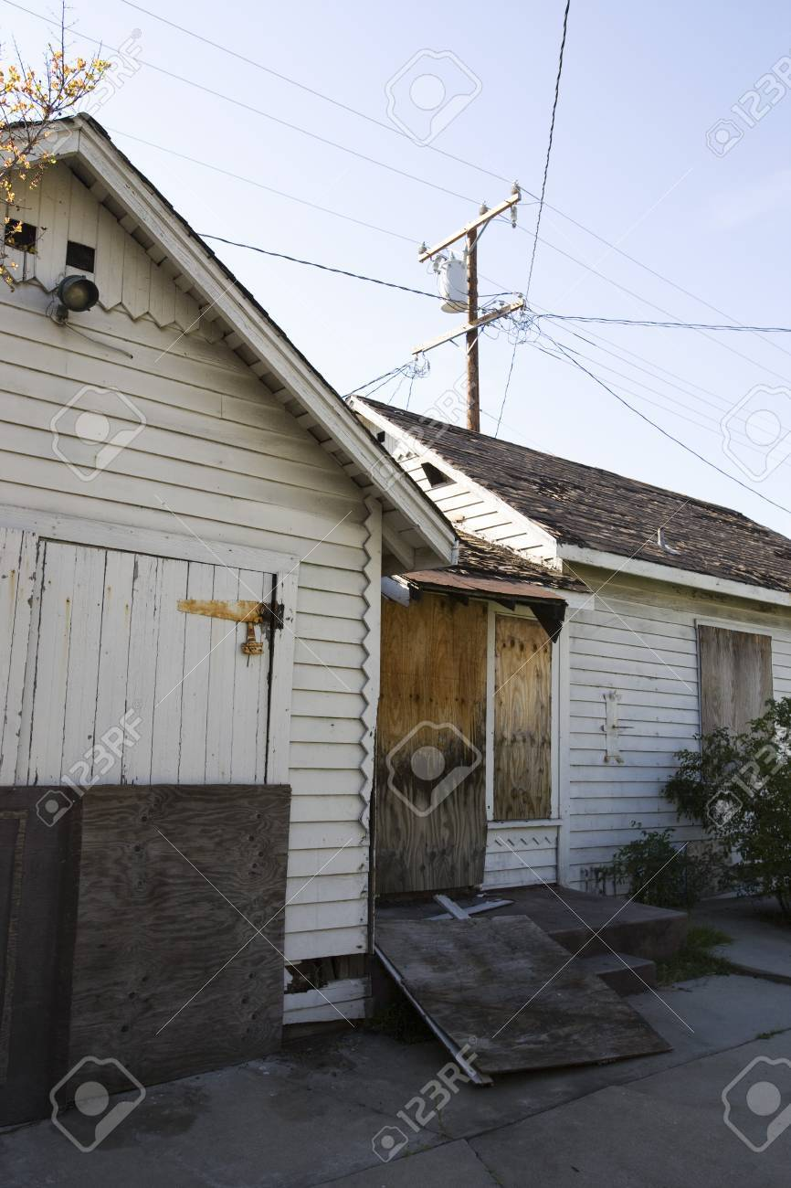 Abandoned House With Boarded Up Door Stock Photo - 12547718