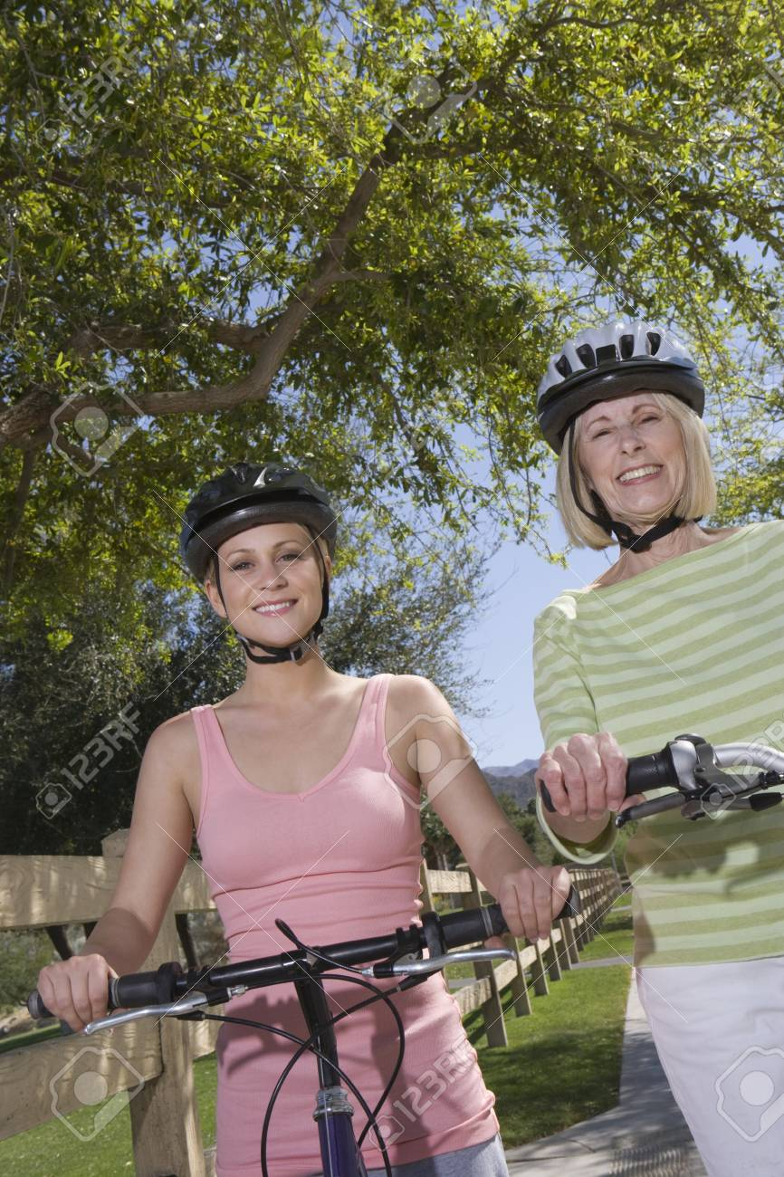 Mother and daughter with mountain bikes Stock Photo - 12735631