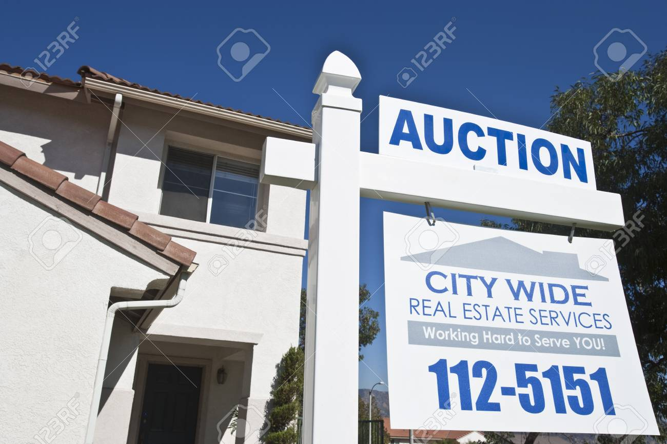 House for sale Stock Photo - 12735216