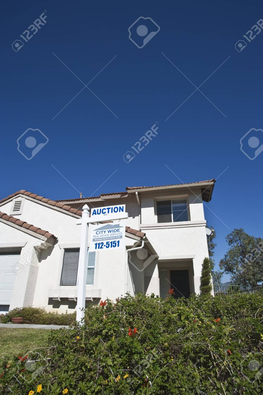 House for sale Stock Photo - 12735217