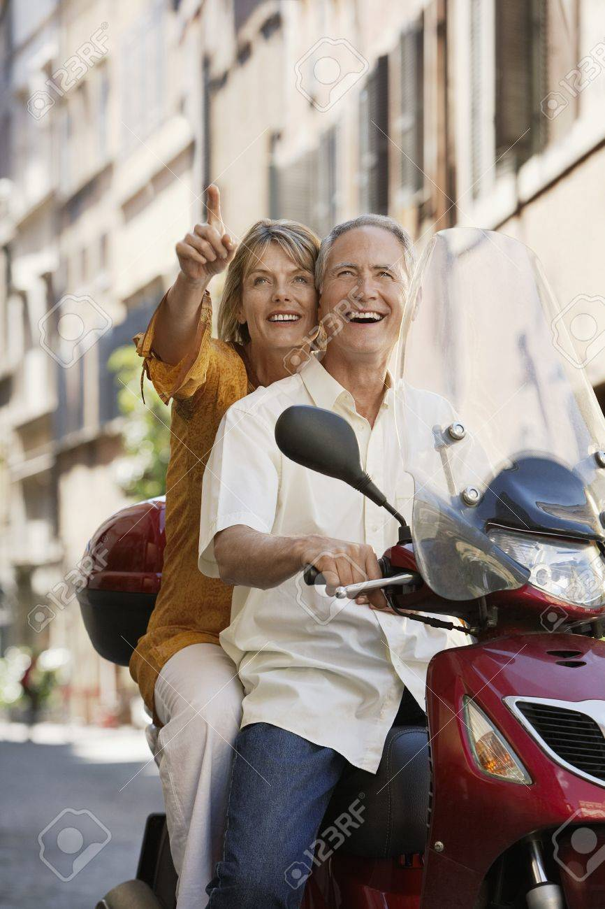 Older Couple on Vacation Stock Photo - 18886396