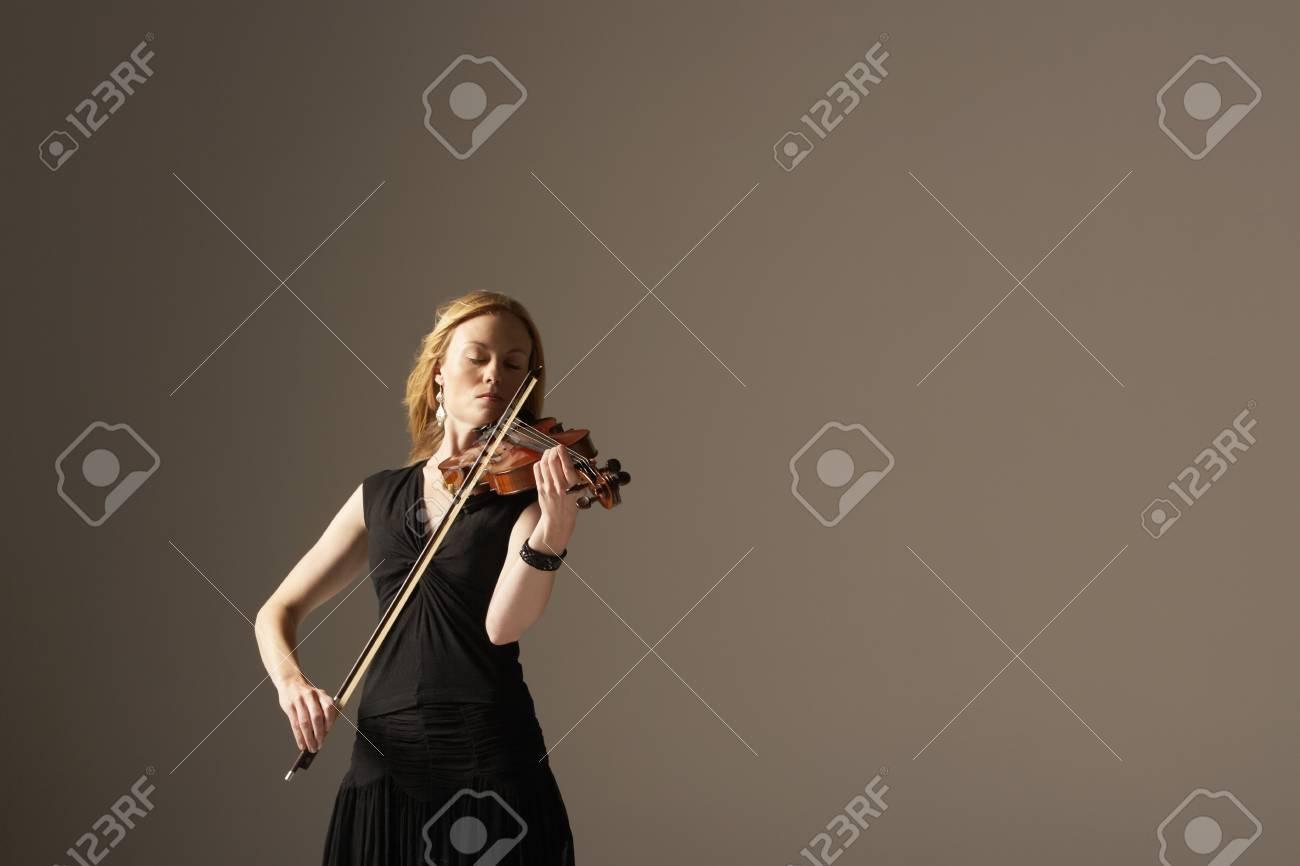 Woman Playing Violin Stock Photo - 18885268