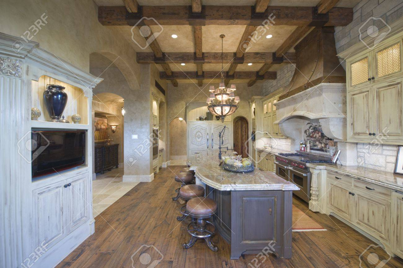Holzbalkendecke Von Palm Springs Küche Lizenzfreie Fotos, Bilder Und ...