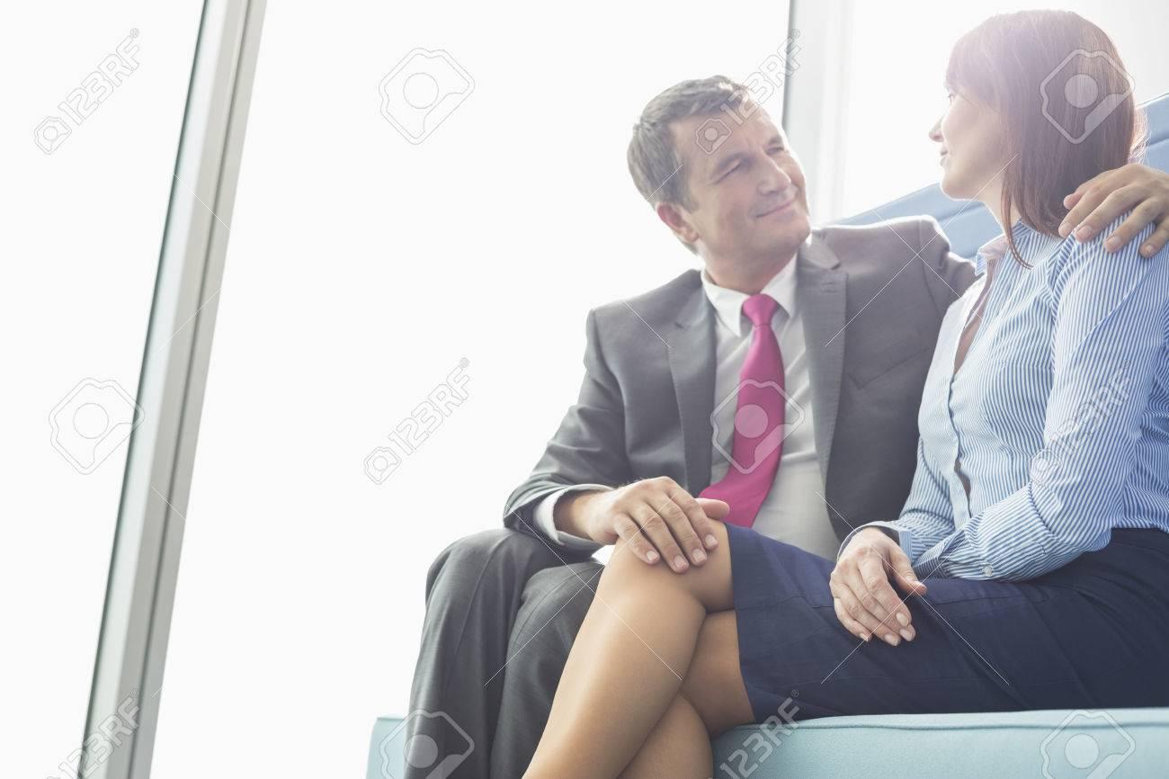 1. Cómo seducir a un hombre: date a conocer