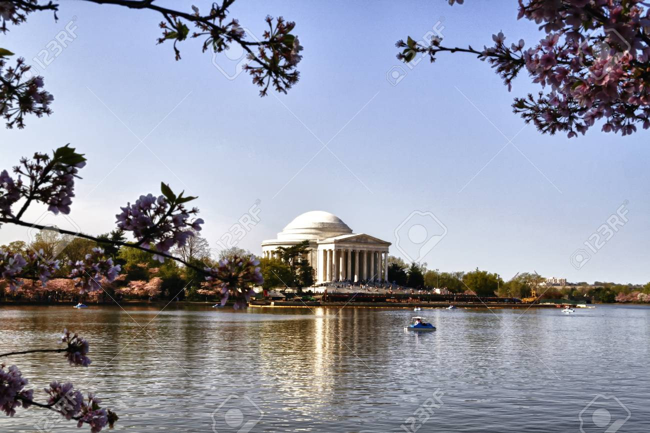 Exterior facade of the Thomas Jefferson Memorial on the Tidal Basin in Washington DC. - 37904251