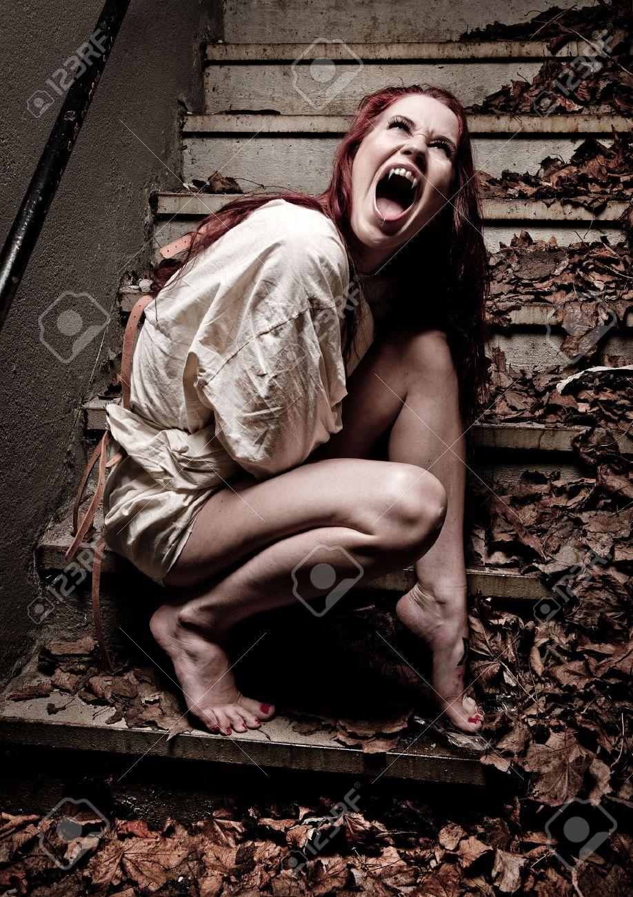 Связавание скочем женщин 7 фотография