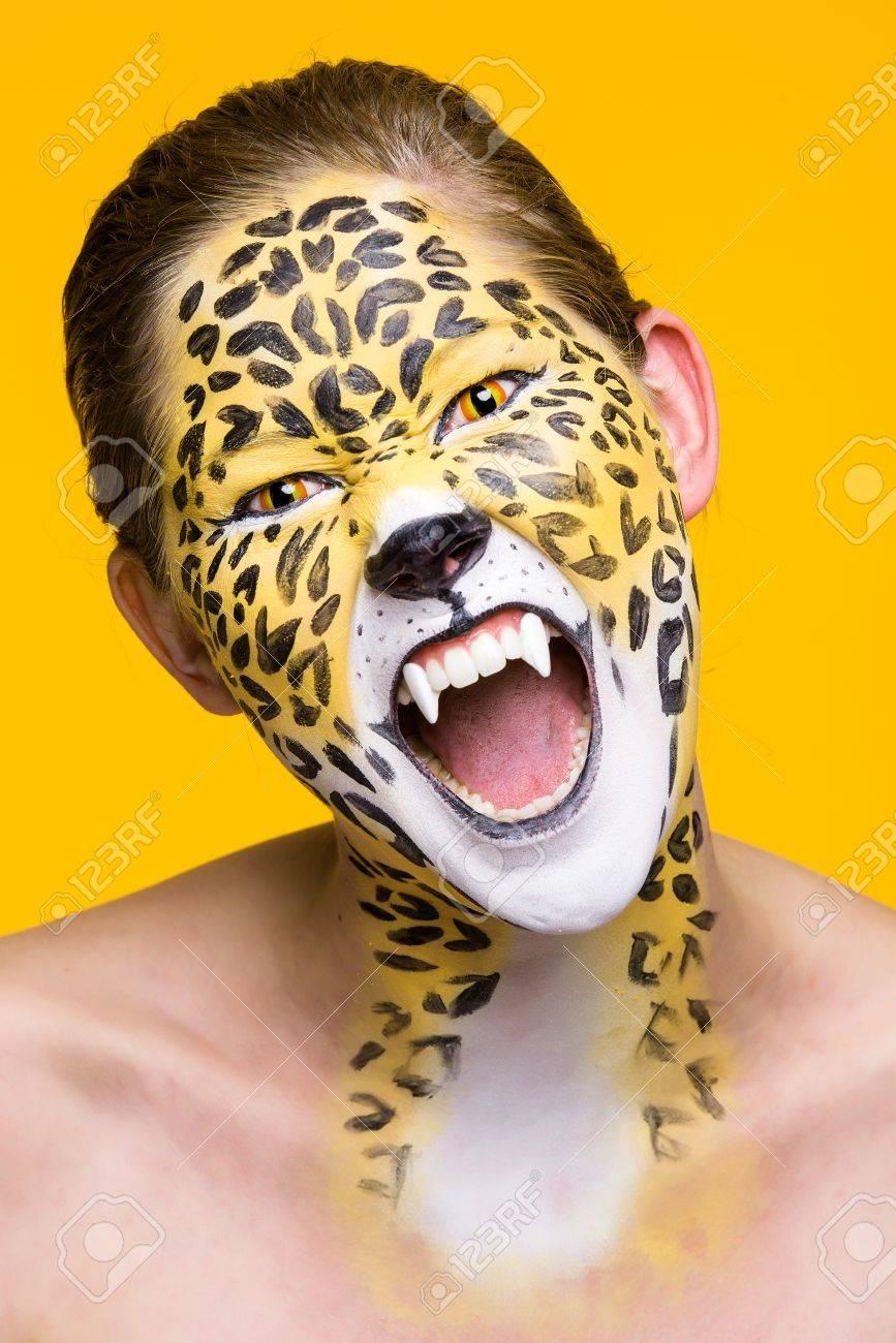 Фото девушка леопард
