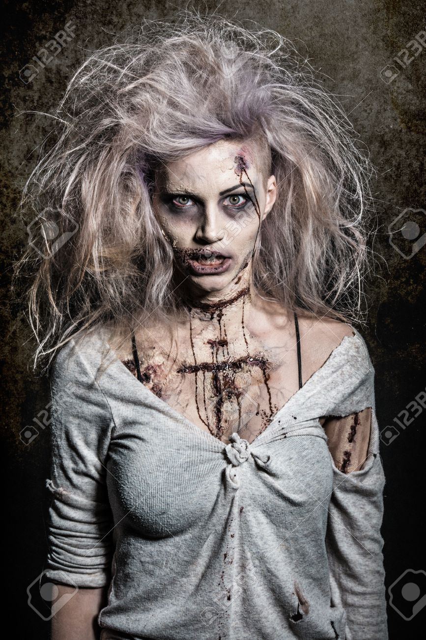 a scary undead zombie girl Stock Photo - 20528837