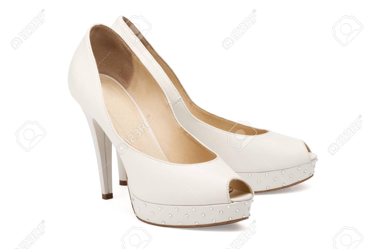 Bruiloft schoenen bruidegom, witte achtergrond. — Stockfoto