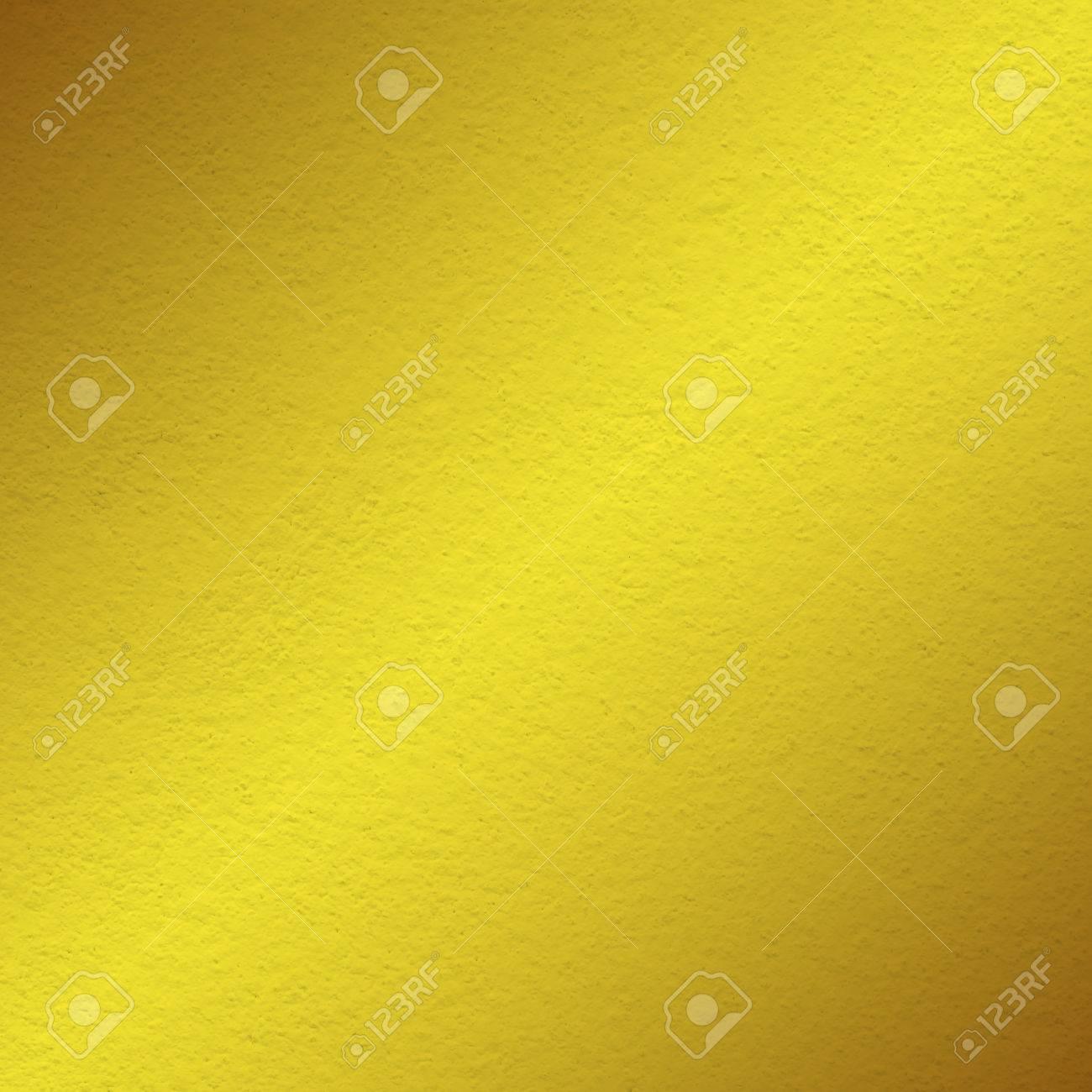 Peinture De Mur Jaune Texture Avec De La Lumière à Lombre Oblique