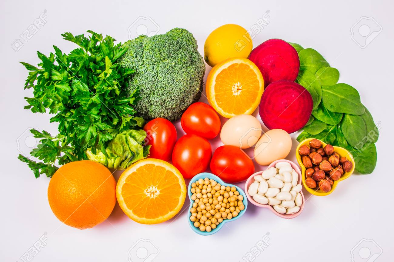 Nutritious products containing vitamin B9 (acidum folicum) and dietary fiber, natural sources of minerals, healthy nutrition concept. - 121758608