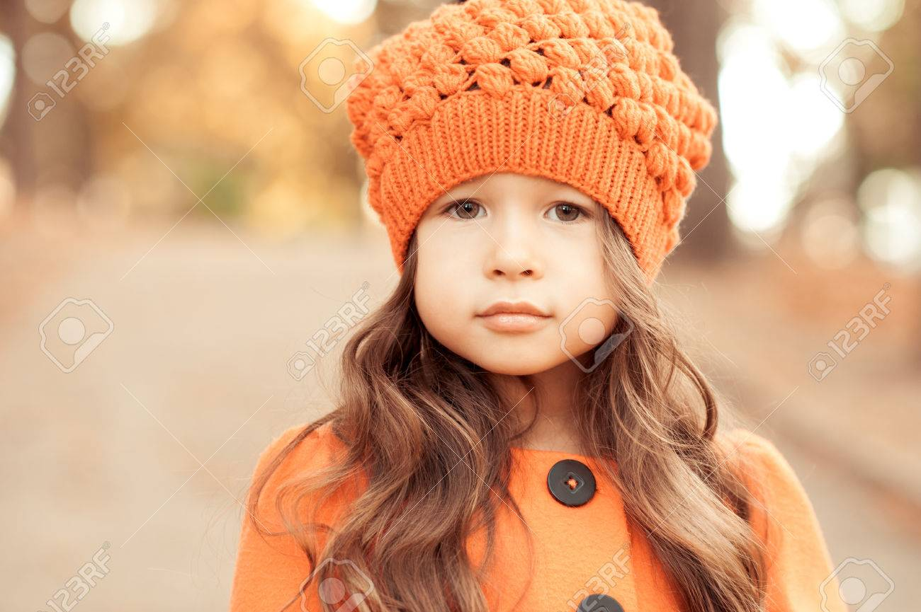 28aecf618 Closeup Portrait Of Cute Baby Girl Wearing Knitted Hat And Winter ...