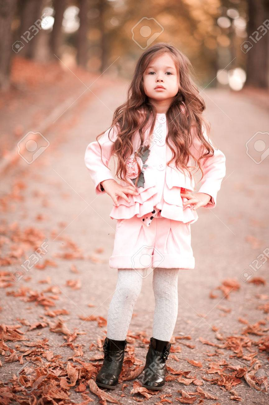 f9e5e0836 Stylish Baby Girl 4-5 Year Old Wearing Winter Jacket And Shorts ...