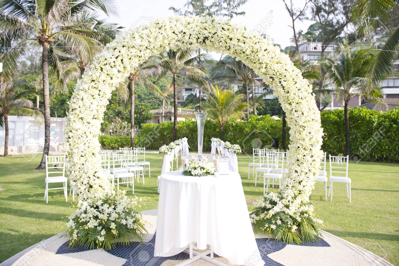 Wedding Set Up In Garden Inside Beach Stock Photo, Picture And ...
