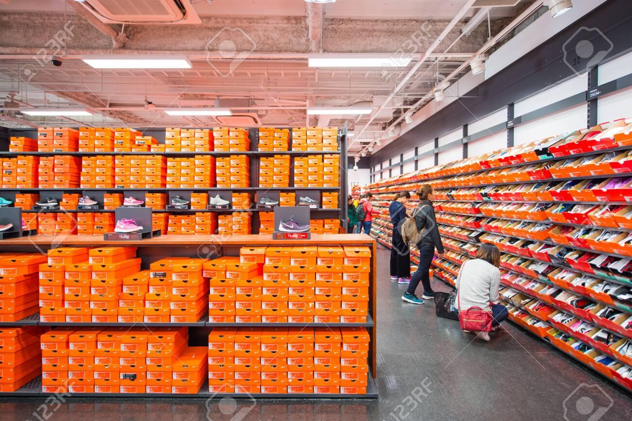 diseño exquisito diseño moderno Venta caliente 2019 Osaka, Japan - November 16, 2017 :Nike Factory Store In Rinku ...