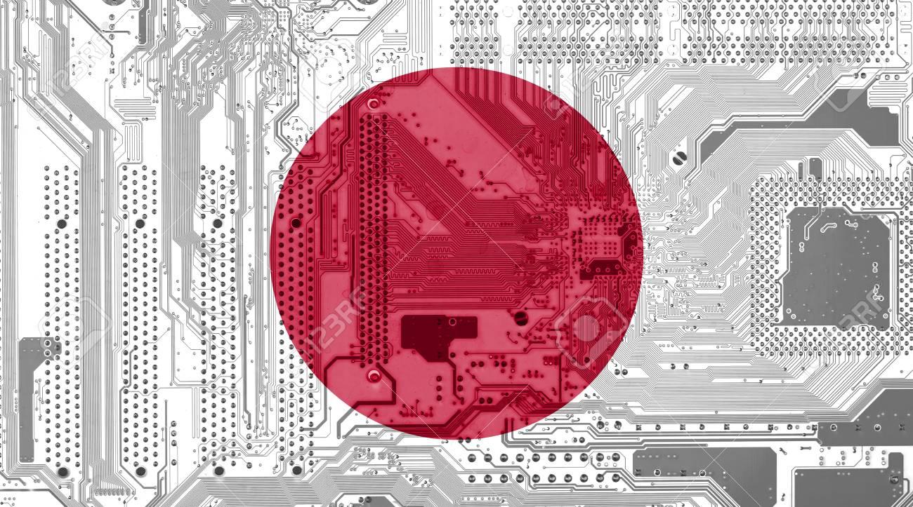 Circuito Japon : Bandera de japón en la placa de circuito como fondo de tecnología